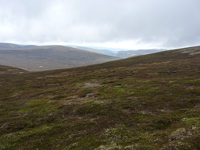 On the western side of Meall Tionail