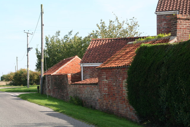 Farm buildings at the top of Hobhole Drain