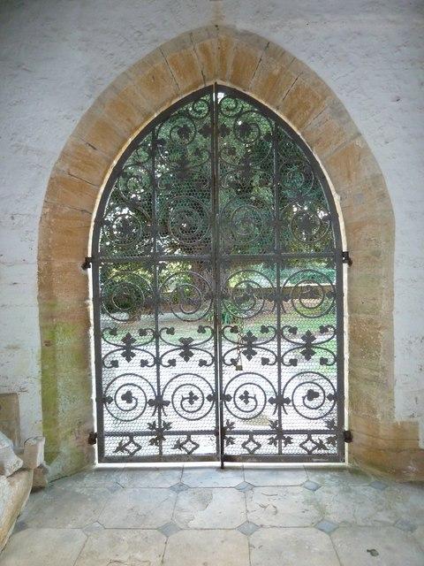 Inside St Andrew, Trent (III)