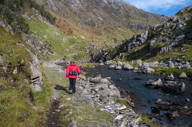 Track to The Dubh Lochain
