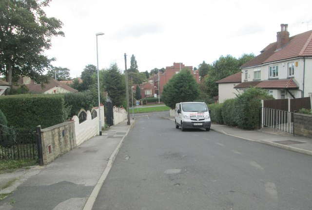 Easterly Grove - looking towards Easterly Road