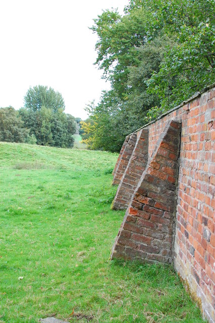 Wall and parkland, Tatton Old Hall