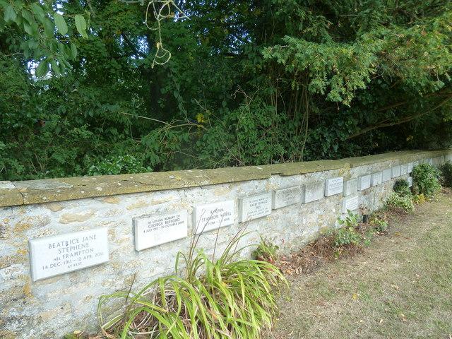 St Andrew, Trent: churchyard (vi)