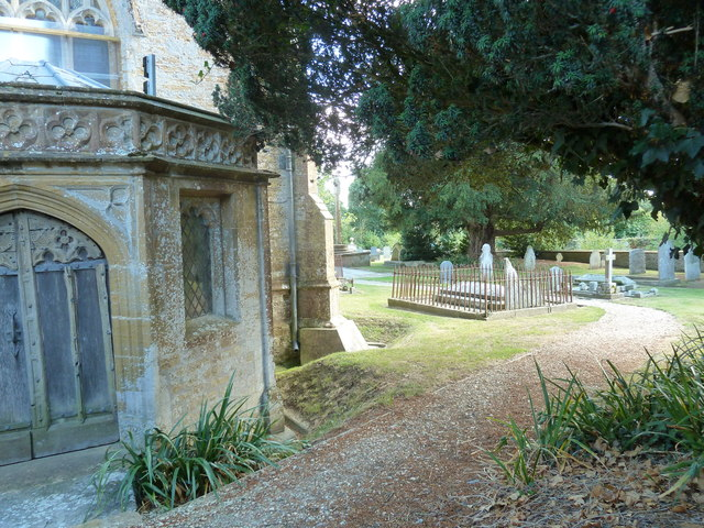 St Andrew, Trent: churchyard (viii)