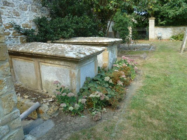 St Andrew, Trent: churchyard (ix)