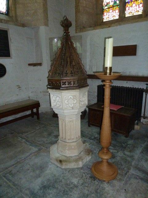 St Andrew, Trent: font