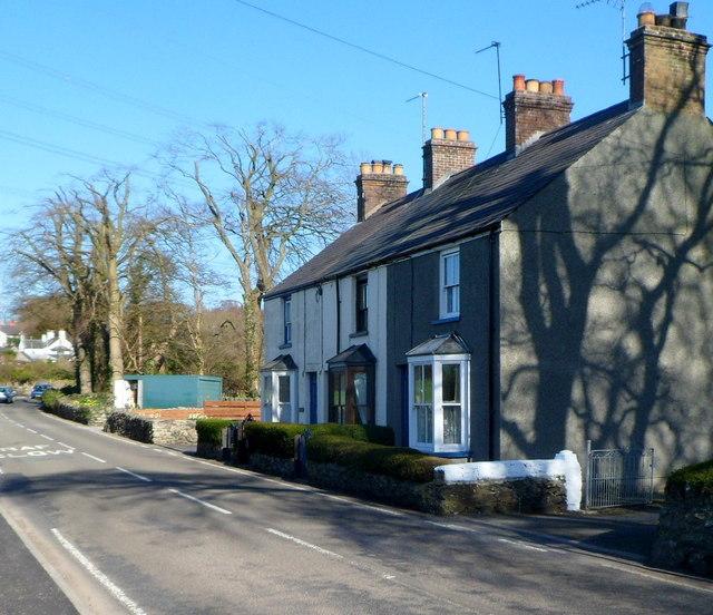 Row of 3 houses, Brynsiencyn Road, Llanfairpwll