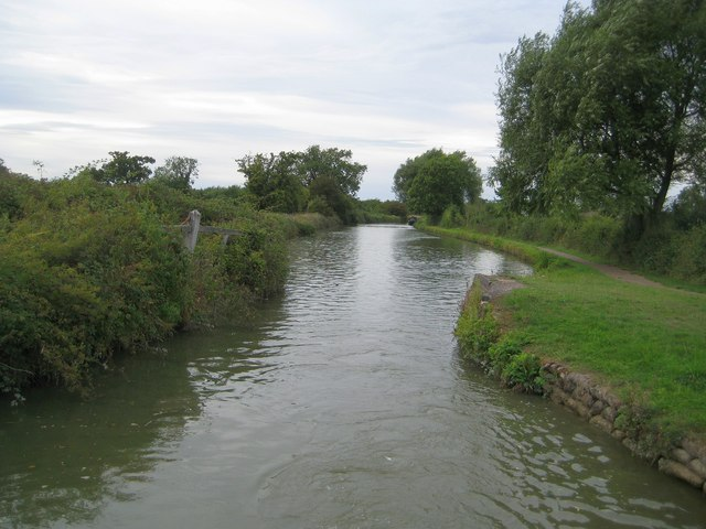 Grand Union Canal: Bridge Number 105