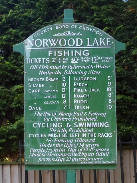 Old Notice Board, South Norwood Lake