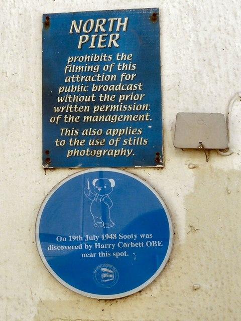 North Pier Notices