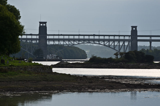 Towards Pont Britannia