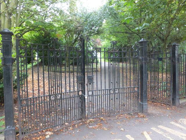 Gates to public park, Tweedmouth