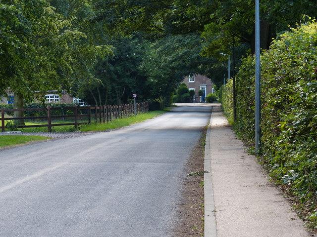Middlegate Road East in Frampton