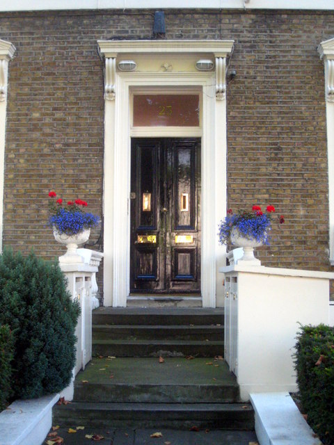An impressive doorway in Warwick Avenue