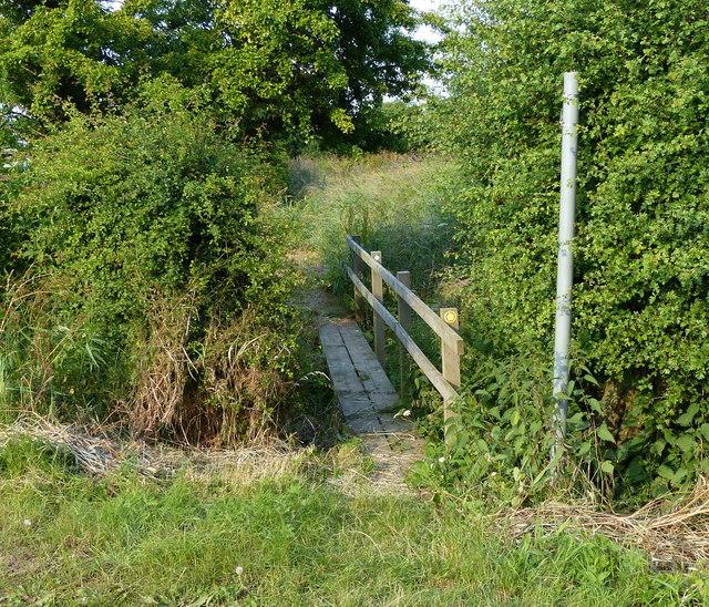 Footbridge along Sandholme Lane