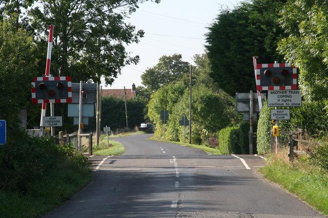 Level Crossing at Leake Commonside