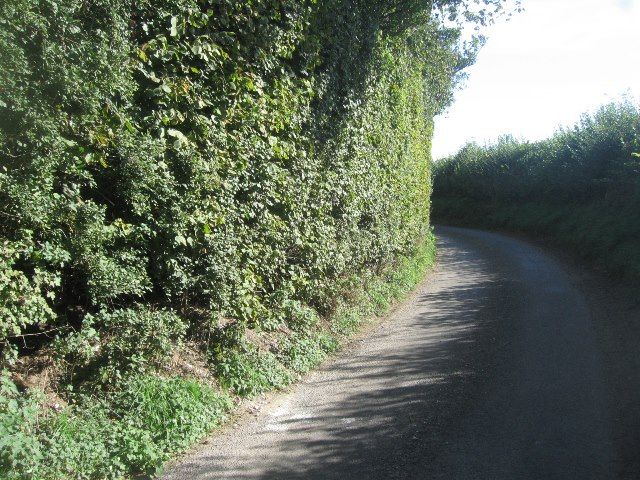 Access lane to Upper Wootton