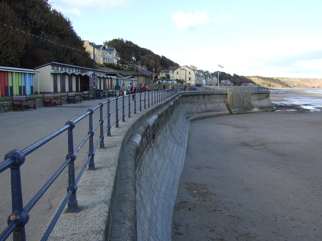 Sea wall and promenade, Filey