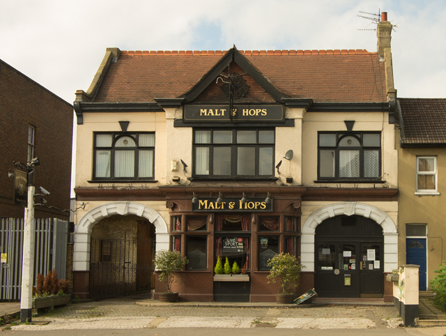 """Malt and Hops"" public house, Finchley"