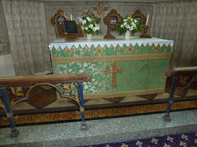 All Saints, Poyntington: altar (a)