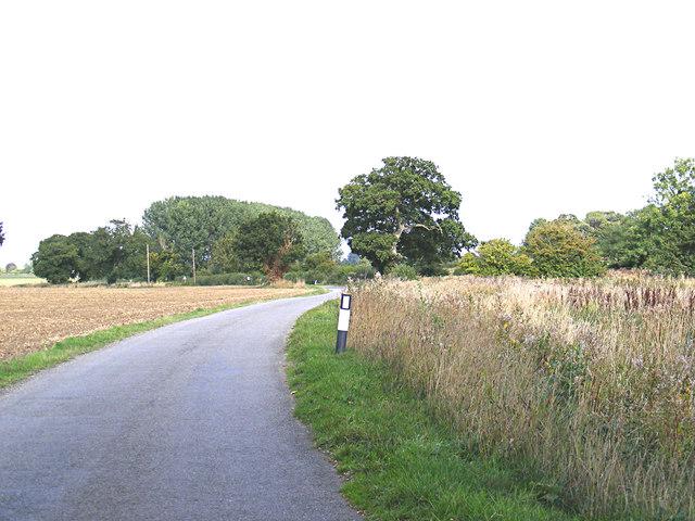 Low Road, Topcroft