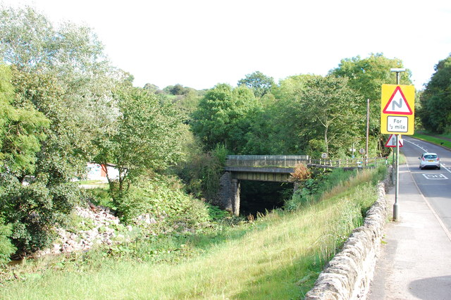 Manifold Way leaves the A523