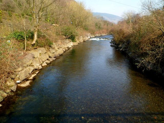 Afon Afan flows towards a footbridge south of Cwmavon