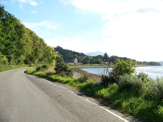Unclassified road approaching Ardchattan Church of Scotland