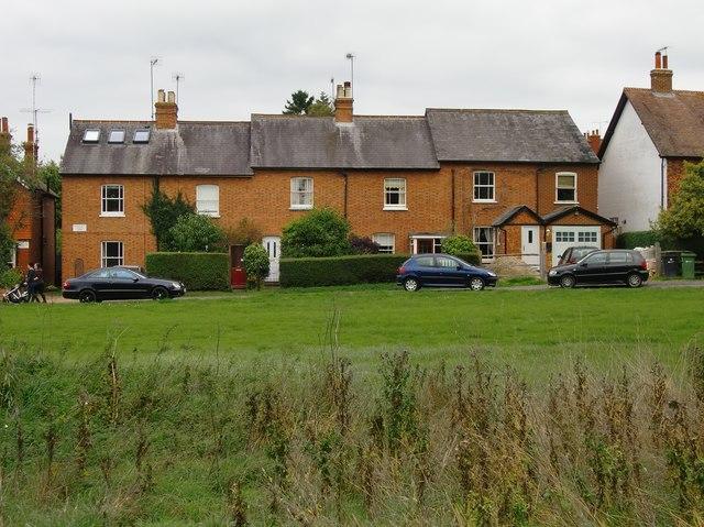 Holmesdale Terrace, North Holmwood