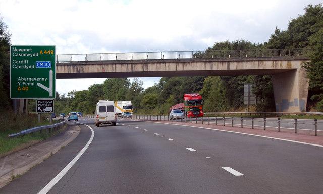 A40 Abergavenny junction ahead