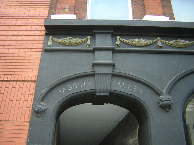 Passing Alley, off St John St, EC1