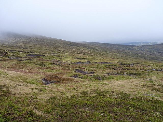 Across the coire towards the bealach south of Carn an Fhidhleir