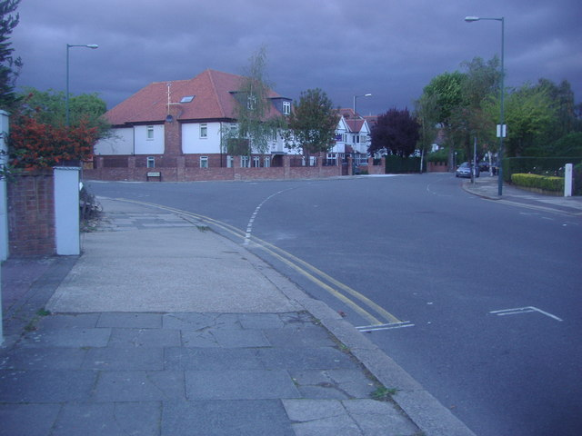 Aylestone Avenue at the junction of Chudleigh Road