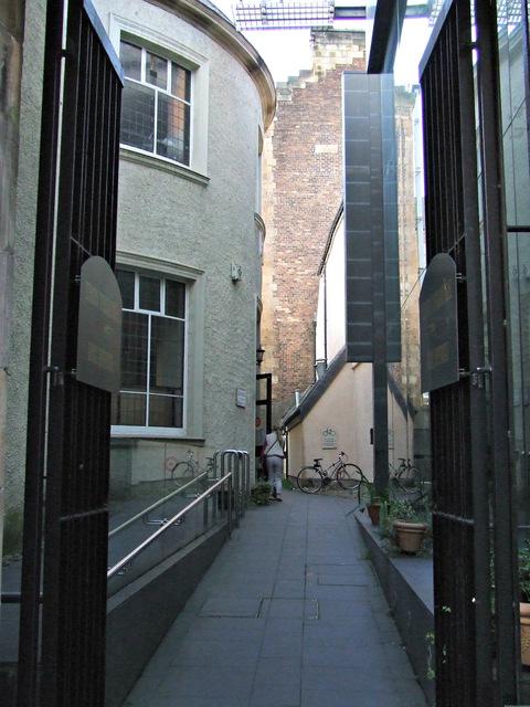 Tron Kirk courtyard