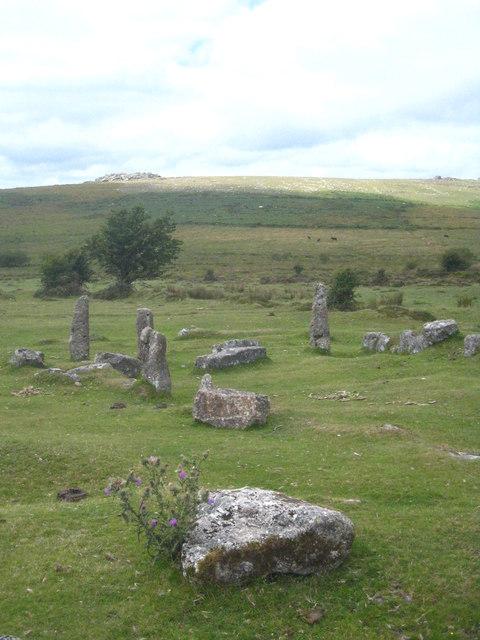 Stones by the roadside near Hemsworthy Gate