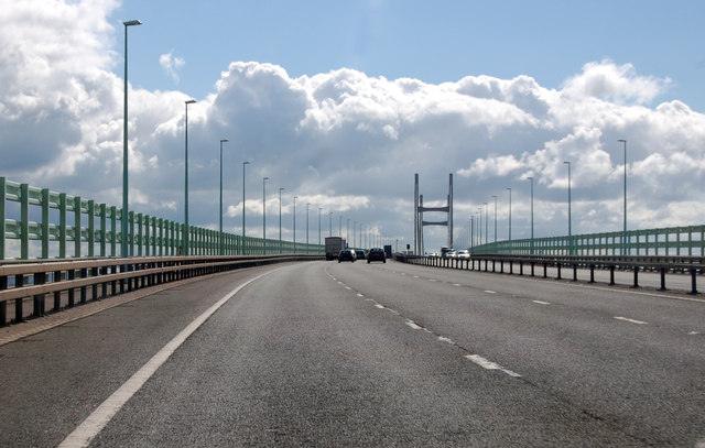 M4 eastbound approaching Severn Crossing