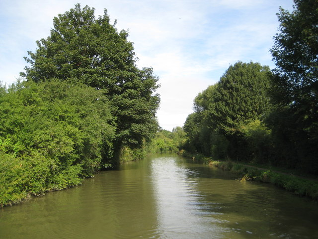 Grand Union Canal: Reach in Soulbury