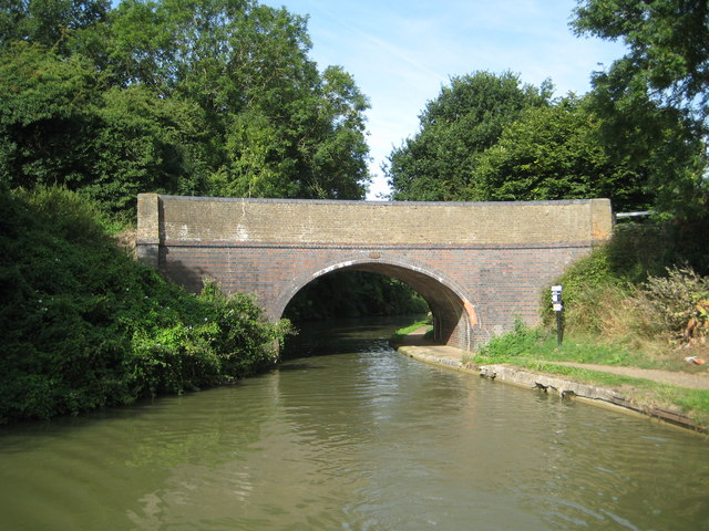 Grand Union Canal: Bridge Number 108