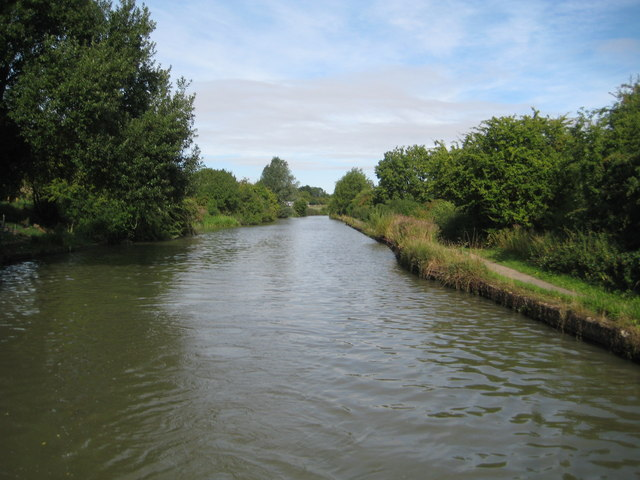 Grand Union Canal: Reach in Soulbury