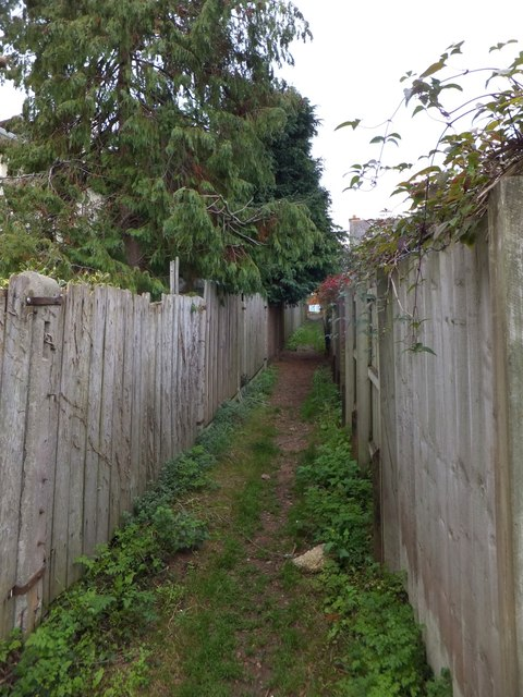 Footpath off Douglas Avenue, Exmouth