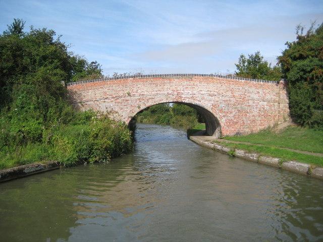Grand Union Canal: Bridge Number 109
