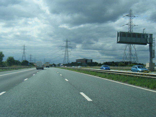 M62 westbound at Junction 32