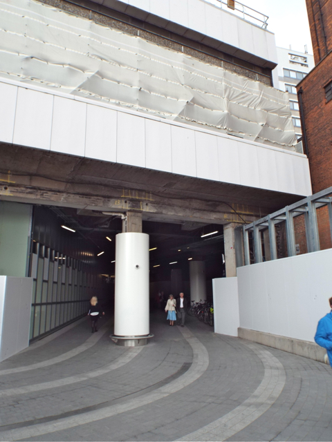 Walkway under the northeast corner of New Street station
