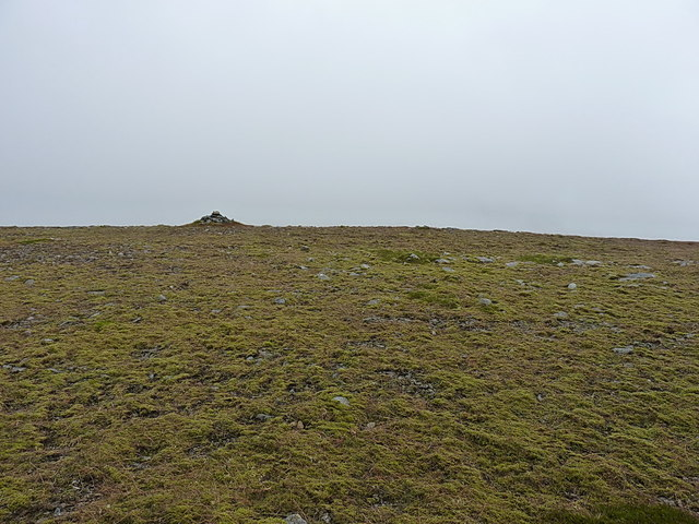 South top of Carn an Fhidhleir from the north
