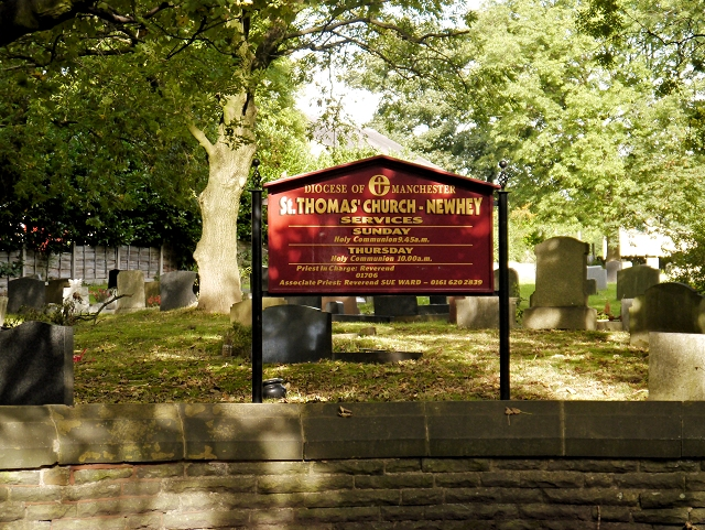 St Thomas' Churchyard, Newhey