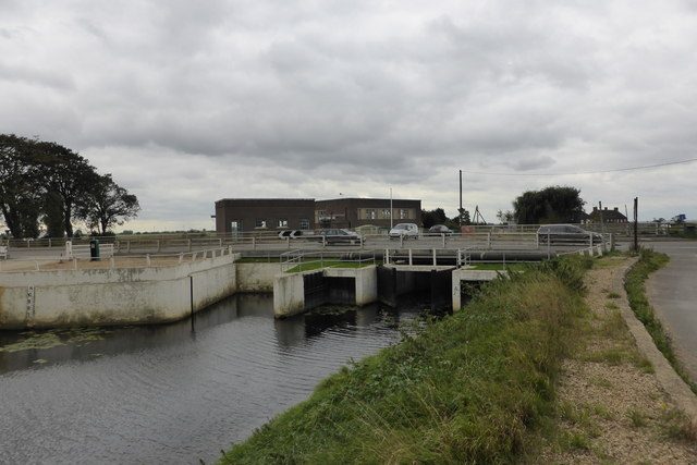 Sluices at the head of Vernatt's drain