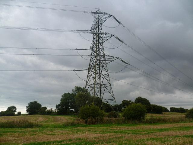 Electricity pylon near Aldington Corner