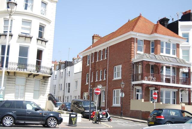 Wyndham St