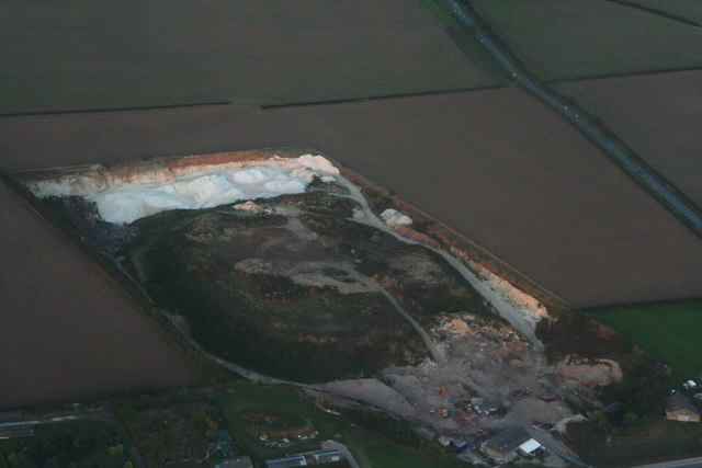 Lowthorpe Quarry (chalk), Ruston Parva: aerial 2013