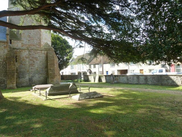 Saint Mary Major, Ilchester: churchyard (b)